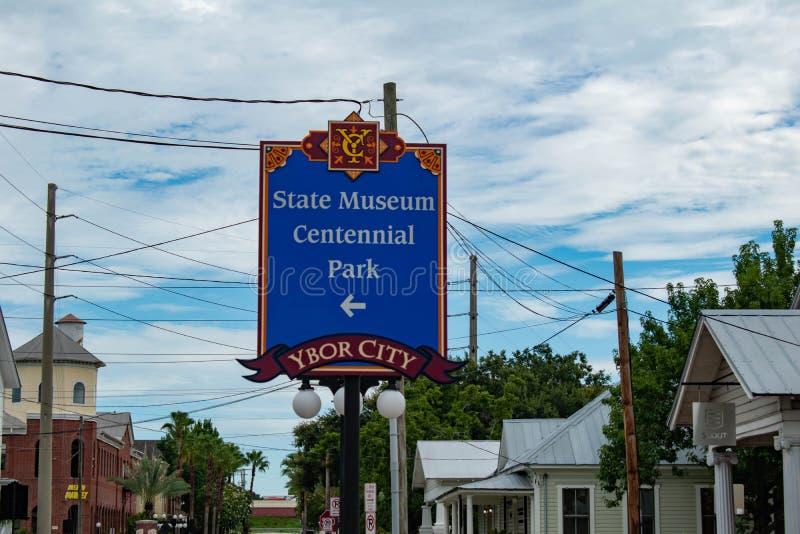状态博物馆百年公园标志顶视图在Ybor市的 免版税库存照片