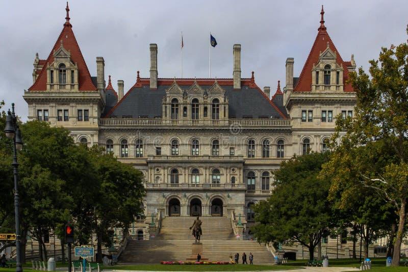 状态国会大厦大厦在从前面的纽约州 图库摄影