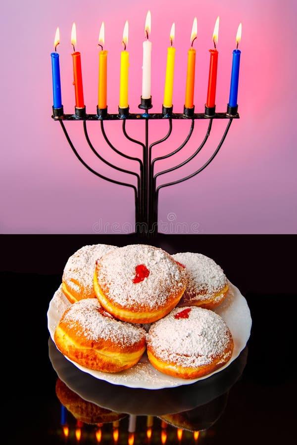 犹太传统假日光明节的图象与menorahtradishinal candels的 免版税库存照片