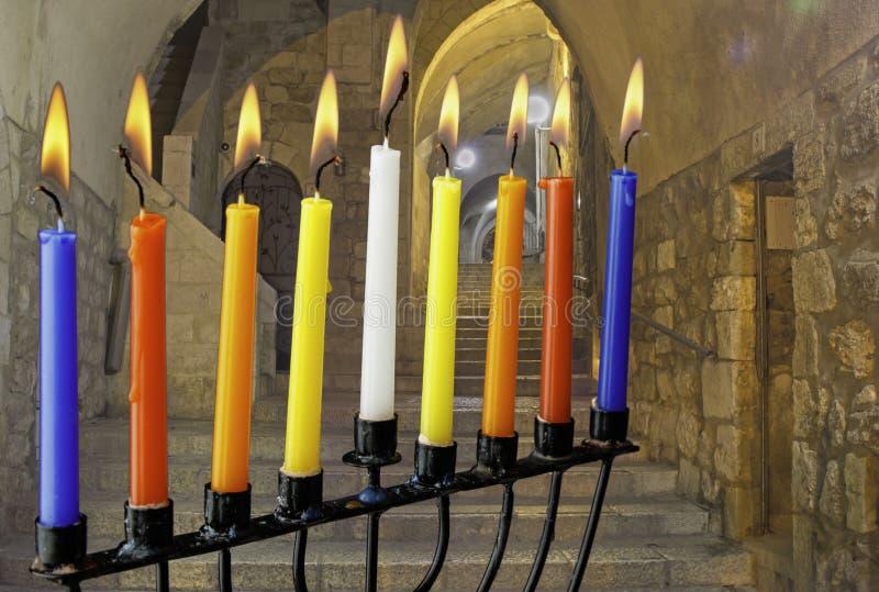犹太假日光明节的图象与menorah传统蜡烛的 免版税库存图片