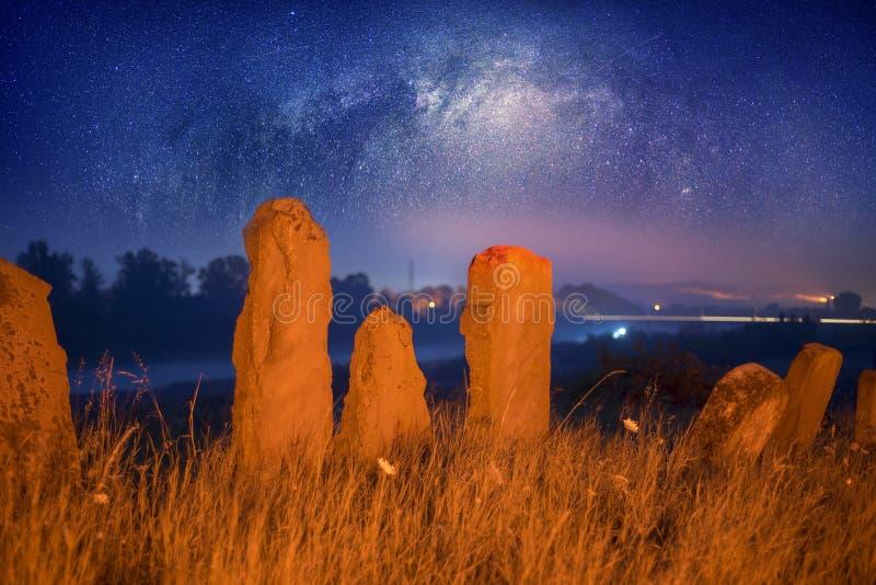 犹太公墓在黎明 图库摄影