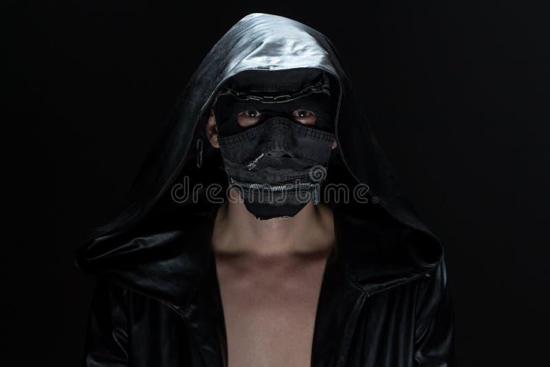 狂人的照片手工制造面具的 免版税库存图片