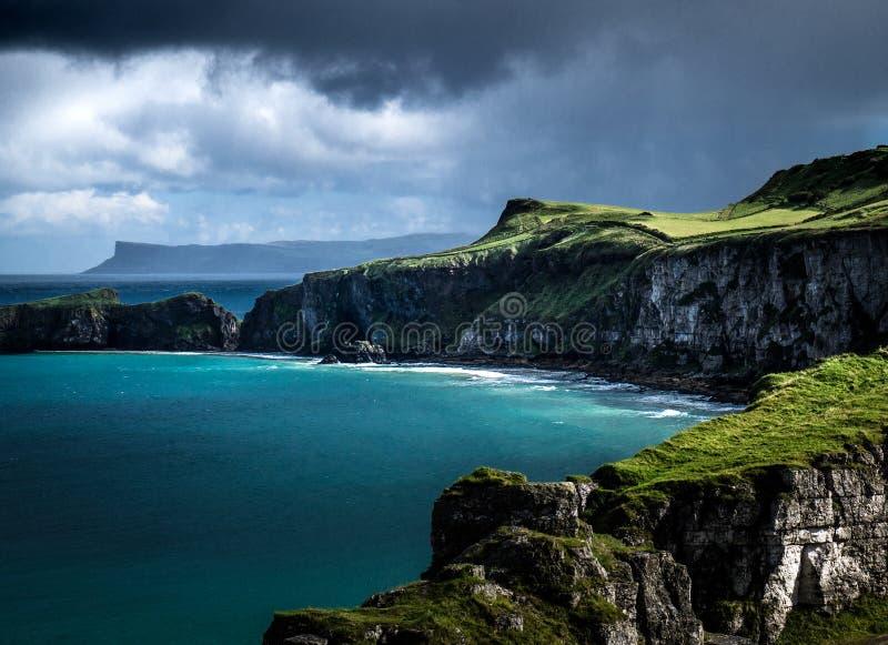 狂放的爱尔兰海岸风景 库存图片