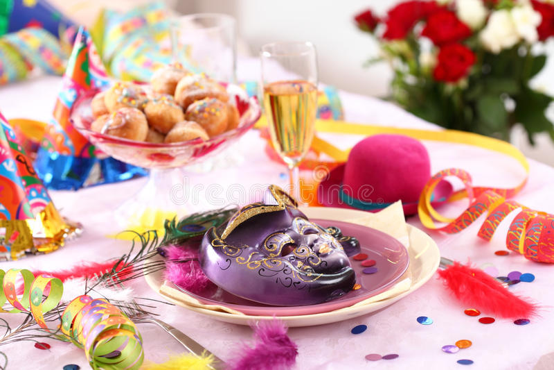 狂欢节当事人餐位餐具 图库摄影