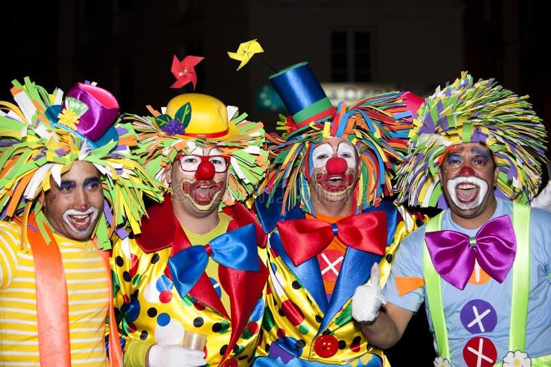 狂欢节打扮全部的舞蹈演员 库存图片