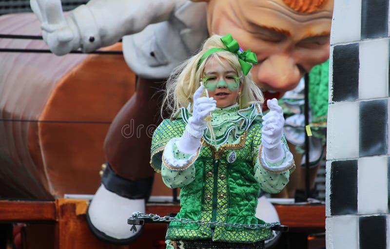 狂欢节队伍的小女孩 免版税库存图片