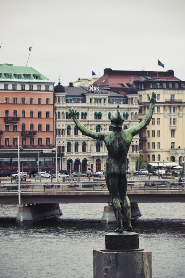 独奏者,一个雕塑的古铜色雕象Strömparterren的卡尔Milles在斯德哥尔摩,瑞典 免版税库存照片