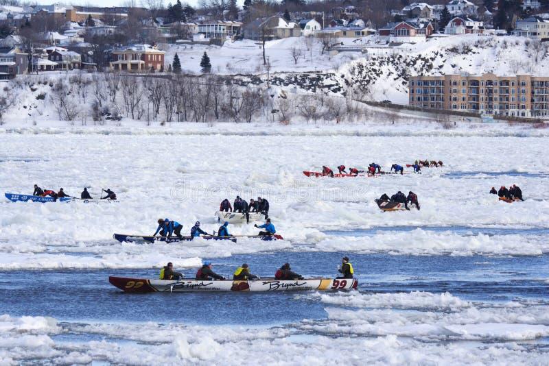 独木舟狂欢节冰魁北克种族 免版税库存图片