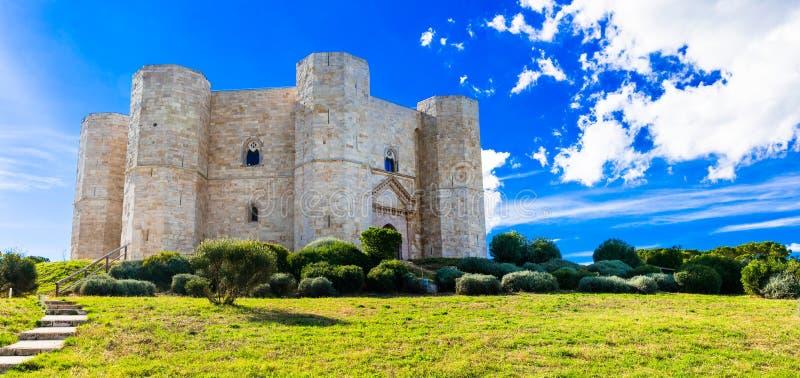 独特的八角型城堡Castel del Monte,普利亚,意大利 库存图片