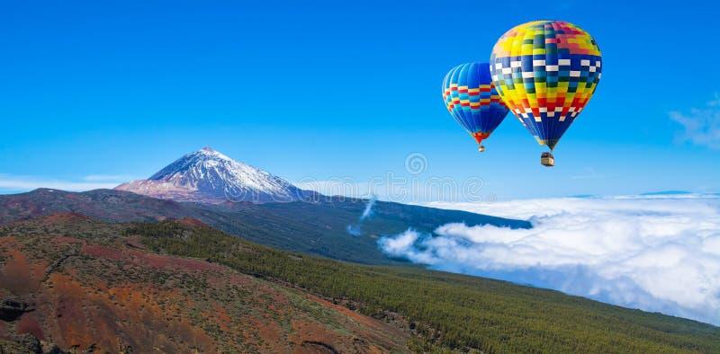 独特的著名火山泰德峰在一个晴天, Te美丽的景色  免版税库存照片