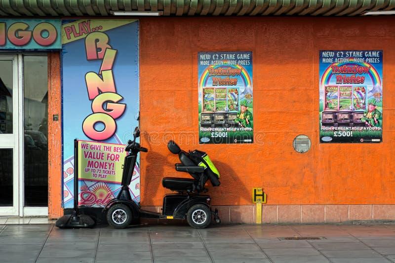 独立以伤残 残疾滑行车 免版税库存图片