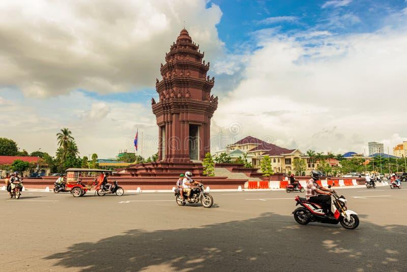 独立纪念碑在首都柬埔寨, Phnom笔 图库摄影