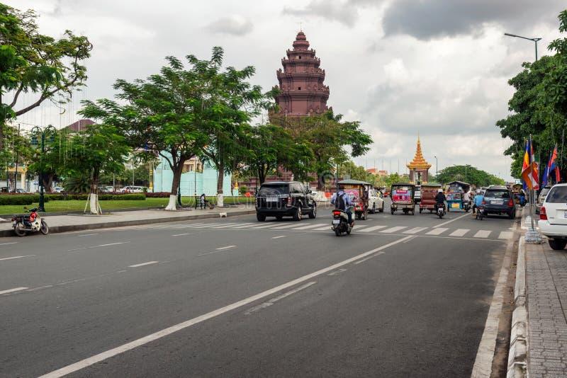 独立纪念碑在首都柬埔寨, Phnom笔 免版税库存照片