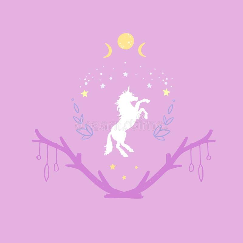 独角兽与满天星斗的天空和月亮的夜 幻想样式,不可思议的森林梦想概念性例证,纹身花刺 库存例证