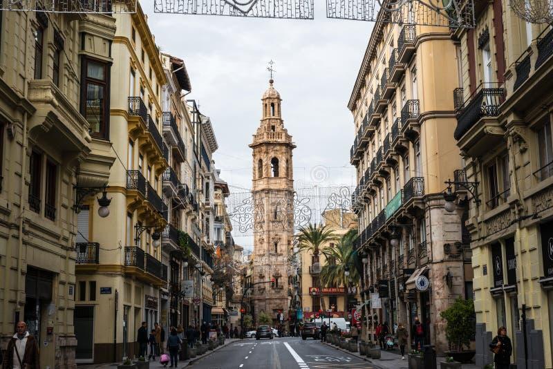 狭窄的街道在中央巴伦西亚在西班牙 免版税图库摄影
