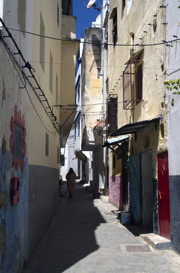 狭窄的街道在唐基尔,摩洛哥 库存图片