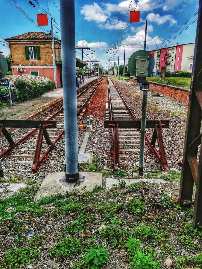 狭窄的铁路轨道在意大利 库存图片