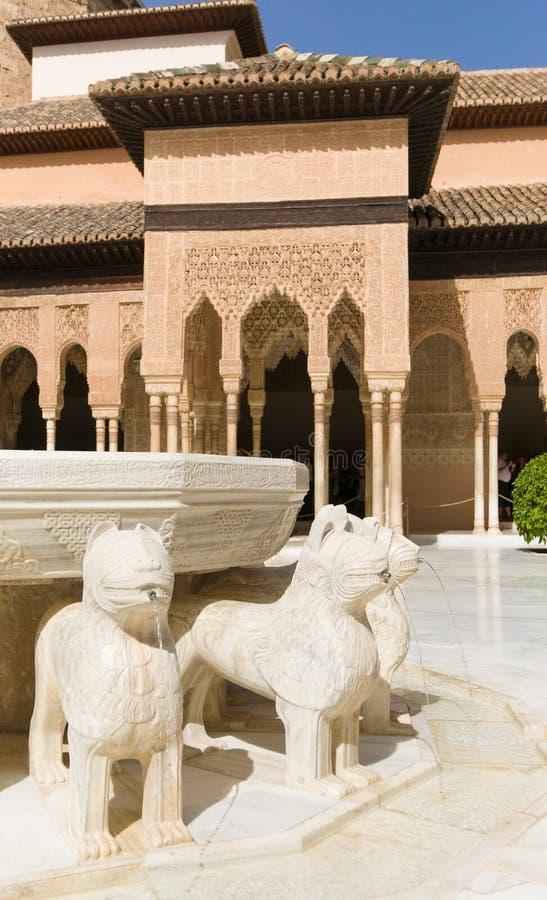 著名狮子喷泉,阿尔罕布拉宫城堡(格拉纳达,西班牙) 库存照片