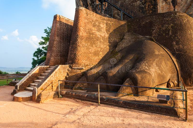 狮子爪子,锡吉里耶岩石 免版税库存图片