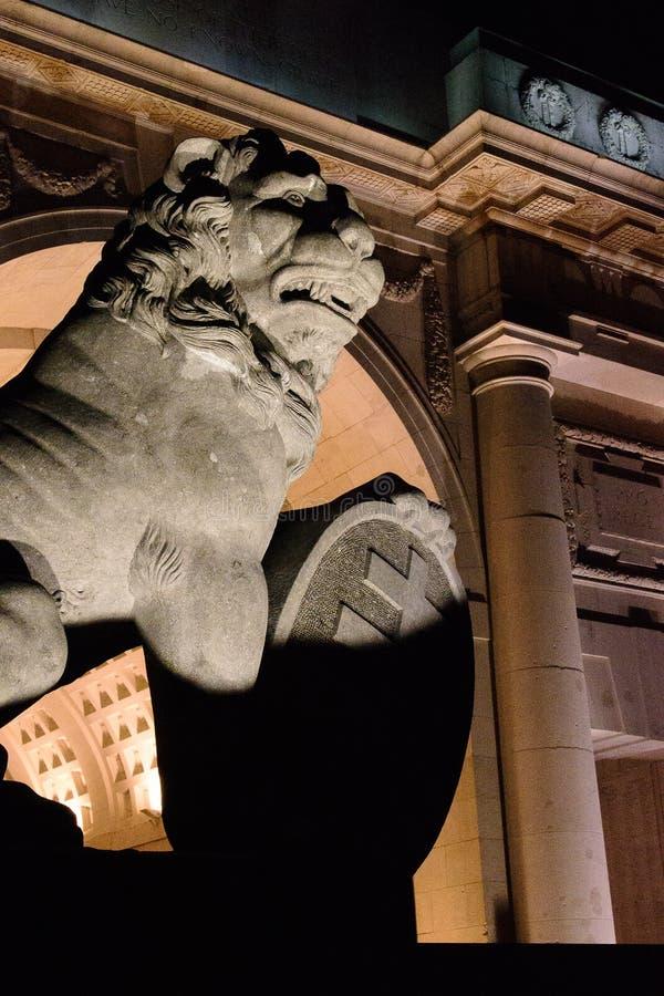 狮子的回归在Menin门伊珀尔的 库存照片