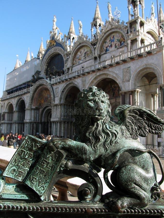 狮子雕象在威尼斯 库存图片