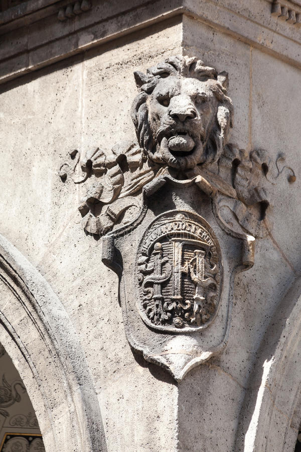 狮子顶头布达佩斯匈牙利 免版税库存照片