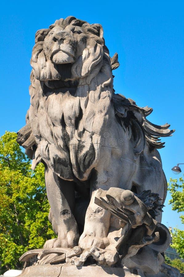 狮子巴黎雕象 库存照片
