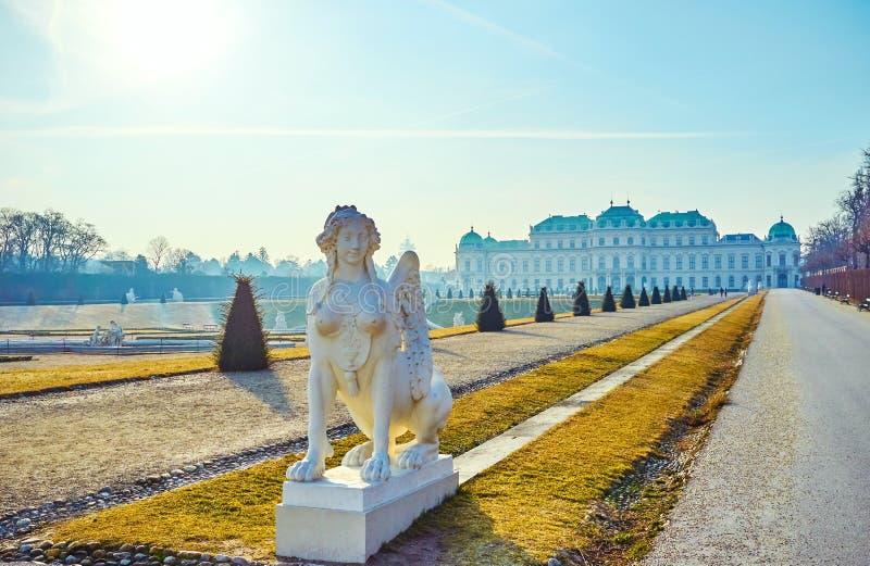 狮身人面象雕塑在眺望楼庭院,维也纳,奥地利里 免版税库存图片