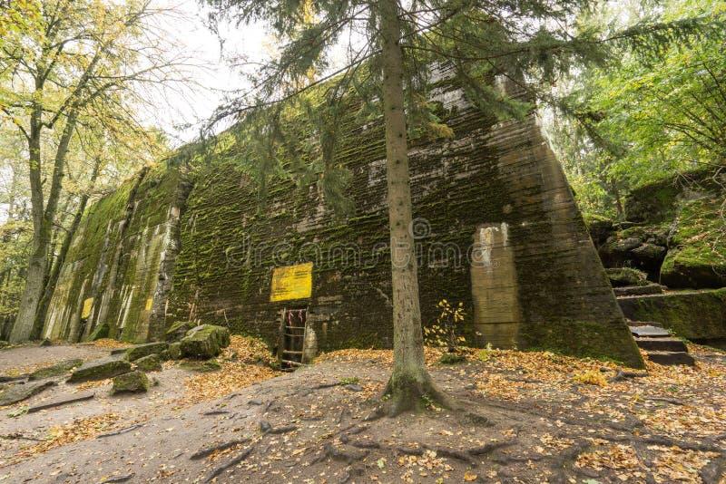 狼` s穴,阿道夫・希特勒` s地堡,波兰 第一个东部前面军总部,二战 炸毁的复合体,放弃 库存照片