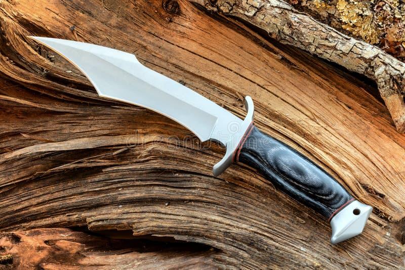 猎刀、生存、冒险和原野生活 免版税图库摄影