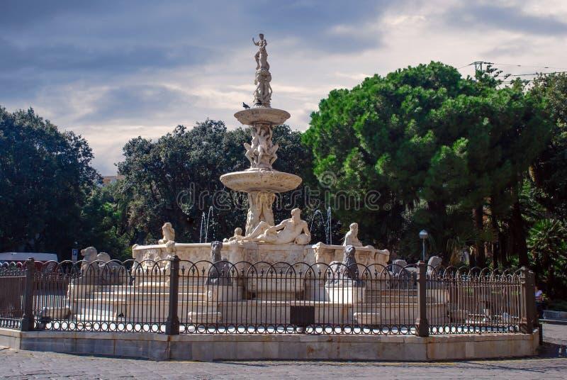 猎户星座, Piazza di Duomo,墨西拿,西西里岛,意大利喷泉  库存照片