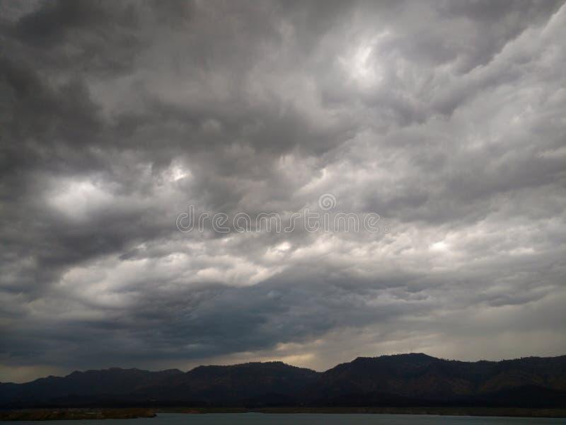 猛烈天空 库存照片
