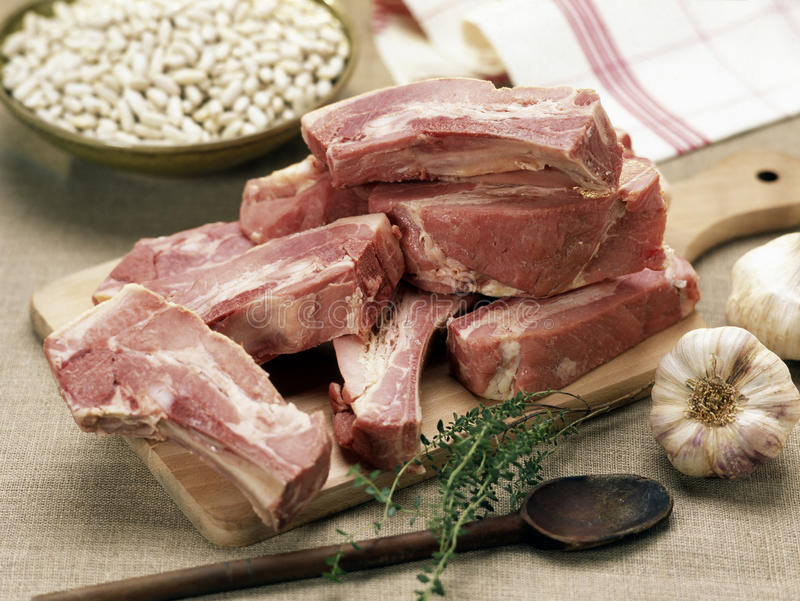 猪肉原始的肋骨备件 库存图片