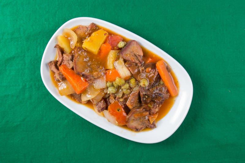 猪肉在板材的舌头炖煮的食物 图库摄影