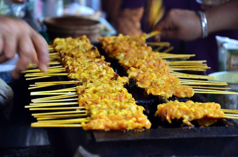 猪肉射击了泰国样式或泰国猪肉Satay, 'Moo Satay' 库存照片