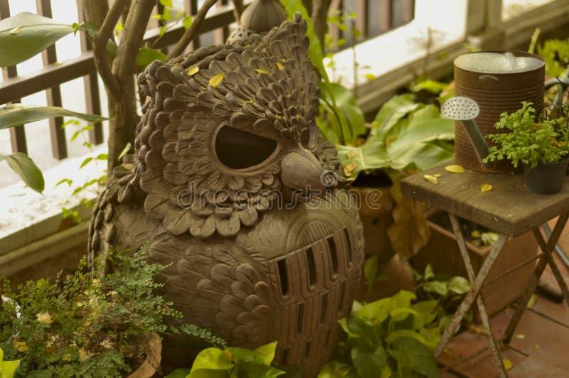 猫头鹰灯由黏土制成 库存照片