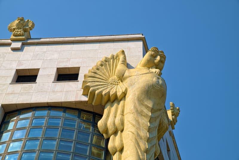 猫头鹰雕塑在维也纳 库存图片