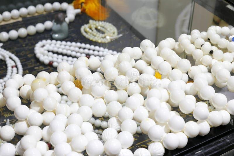 玉小珠项链,多孔黏土rgb 免版税库存照片