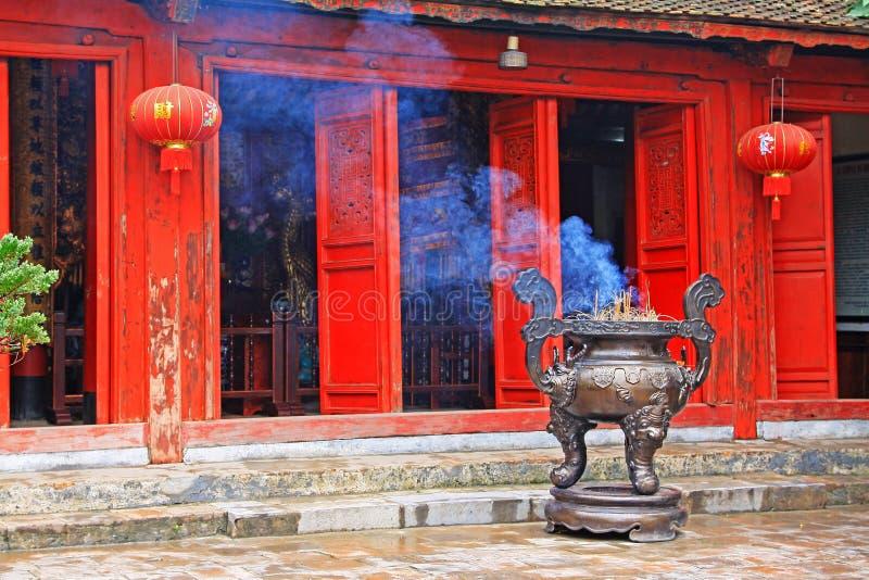 玉山的寺庙在还剑湖,河内越南 免版税库存图片