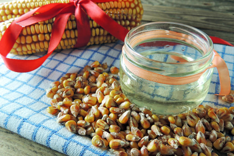 玉米和油 免版税图库摄影