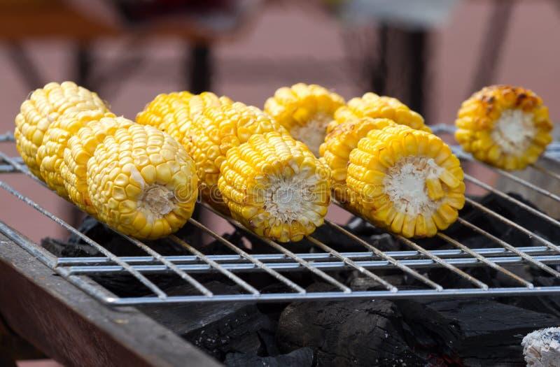玉米棒烤 库存图片
