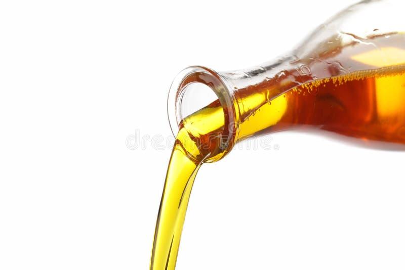 玉米油倾吐 免版税图库摄影