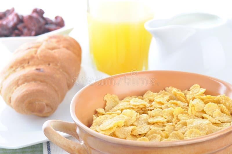 Download 玉米片 库存照片. 图片 包括有 营养, 维生素, 汁液, 谷物, 食物, 玉米, 产品, 牛奶, 空白 - 30325514