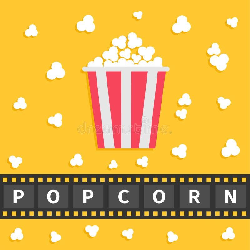玉米花流行 与文本的大影片带状线 红色白色箱子 戏院在平的设计样式的电影之夜象 黄色背景 库存例证