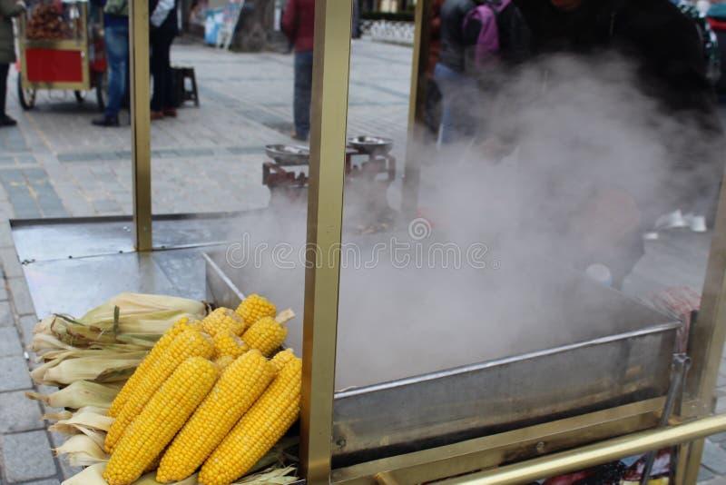 玉米街道快餐寒冷 库存图片