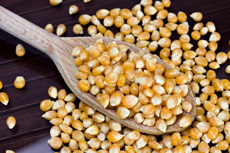 Download 玉米5月玉蜀黍属 库存照片. 图片 包括有 药丸, 玉米棒, 面粉, 营养, 5月, 黄色, 对氨基苯甲酸二 - 22357716