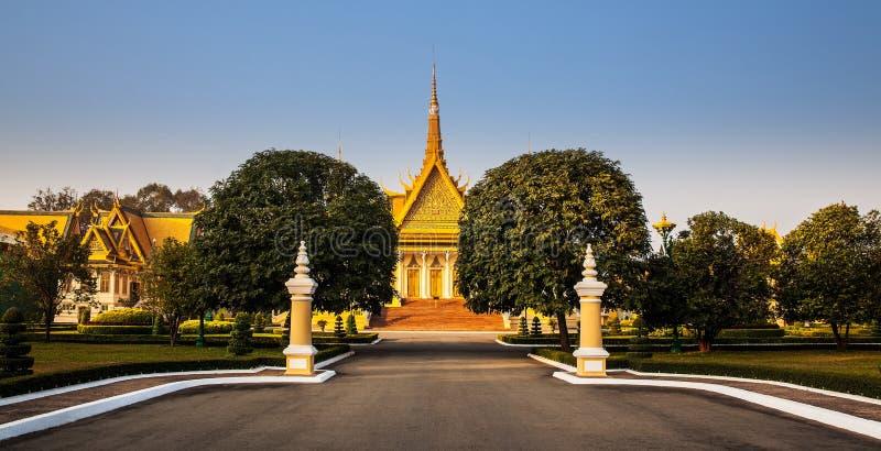 王宫和银塔(王位大厅),金边,不 免版税库存照片