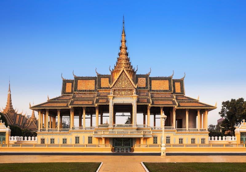 王宫和银塔(王位大厅),金边,不 免版税图库摄影