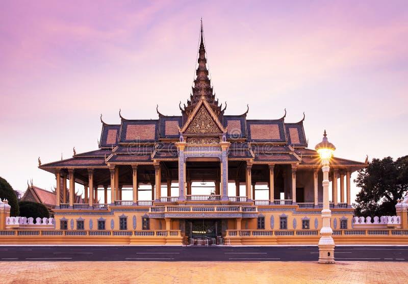 王宫和银塔(王位大厅),金边,在 库存图片