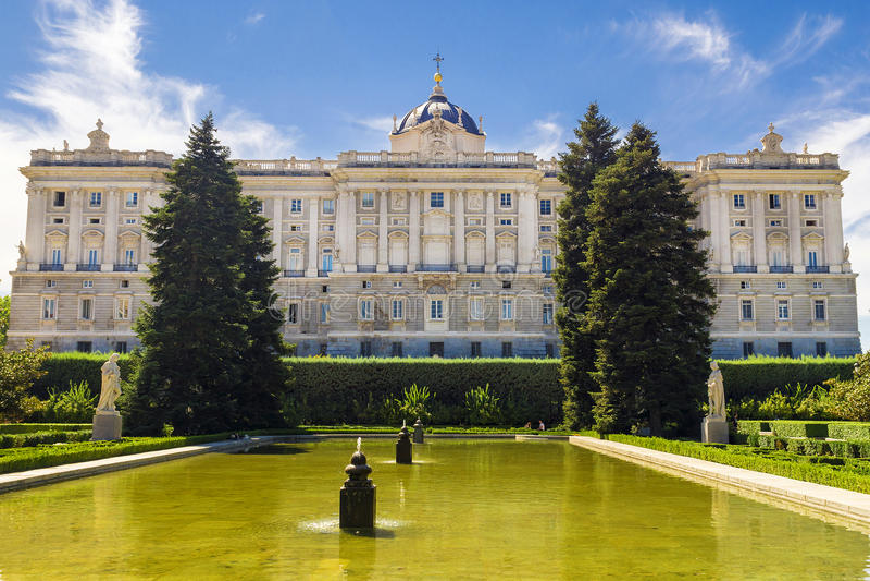 王宫在马德里,西班牙 免版税库存图片